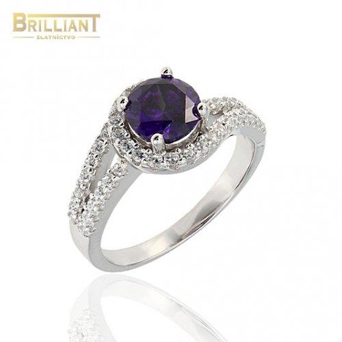 Strieborný prsteň Ag925 s fialovým kameňom a zirkónmi